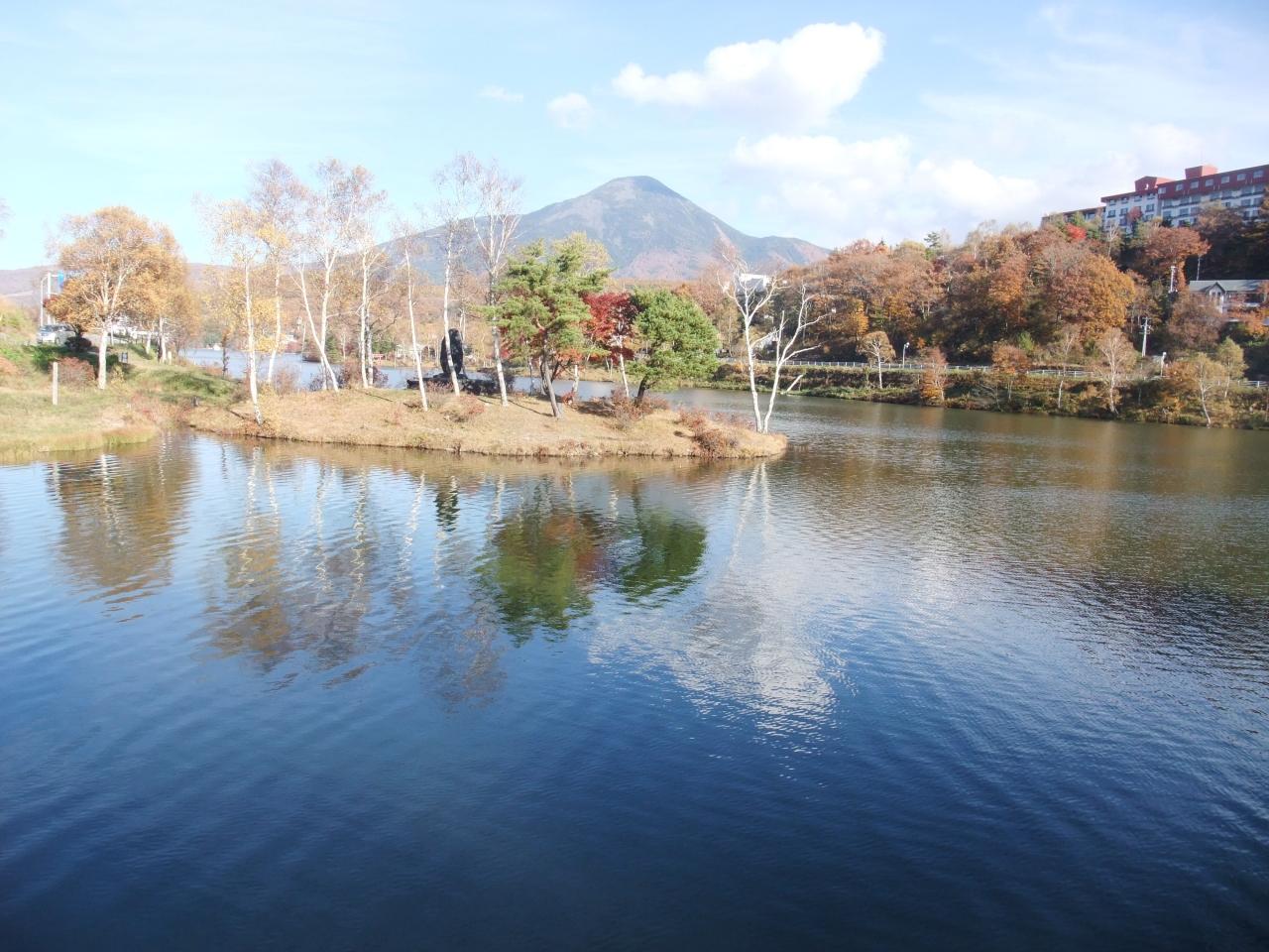 秋色に染まる白樺湖散策と白樺湖畔の天然温泉に泊まる旅 白樺湖 蓼科