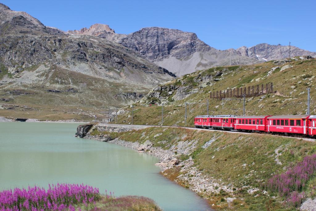 イタリア・スイス街歩き食べ歩き...