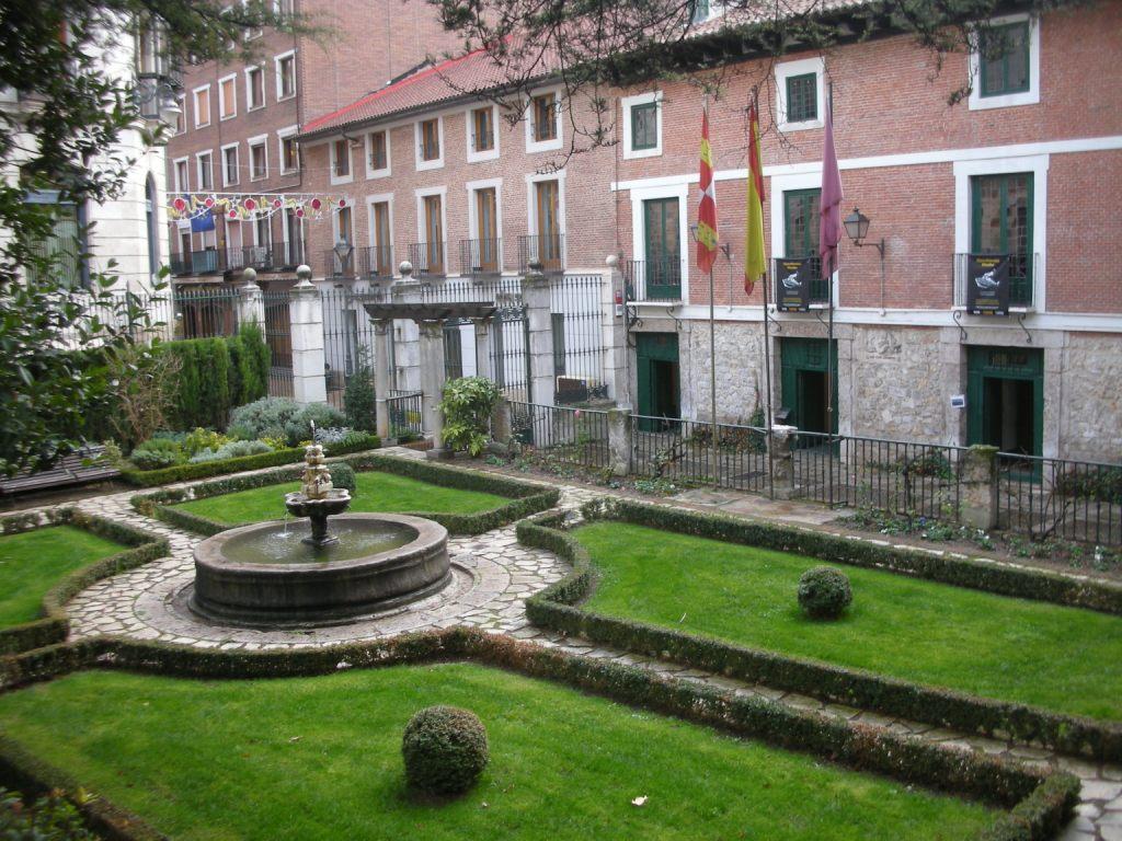 バリャドリッド_Valladolid かつてのスペイン帝国首都!歴史上の重要 ...