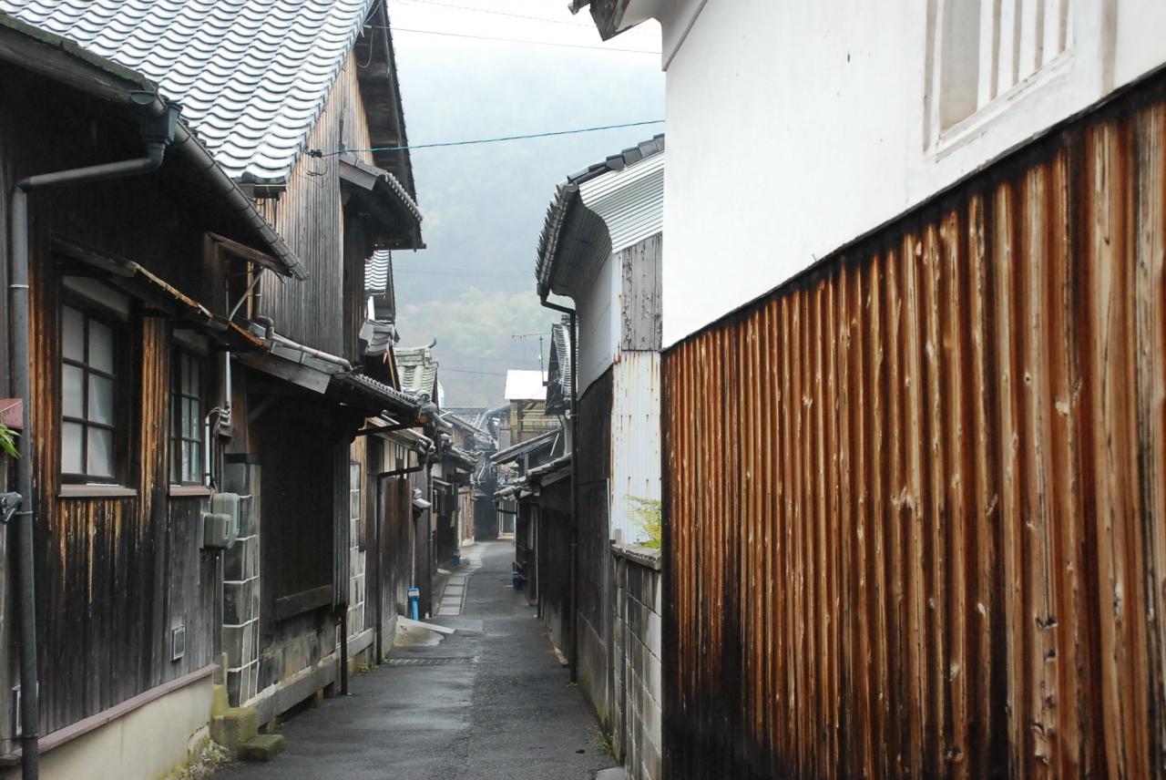 しまなみ海道 弓削島の古い街並...