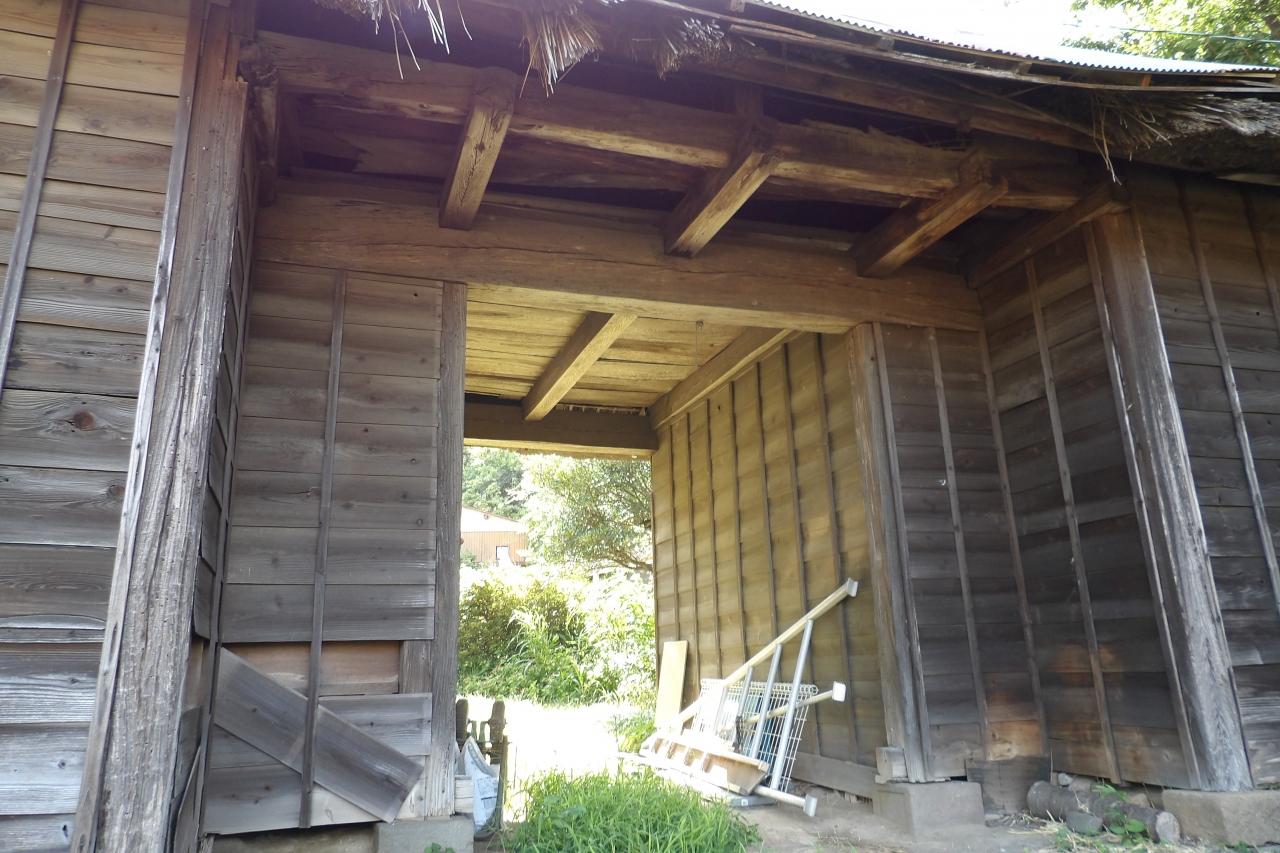 貞宗寺の長屋門(鎌倉市植木)