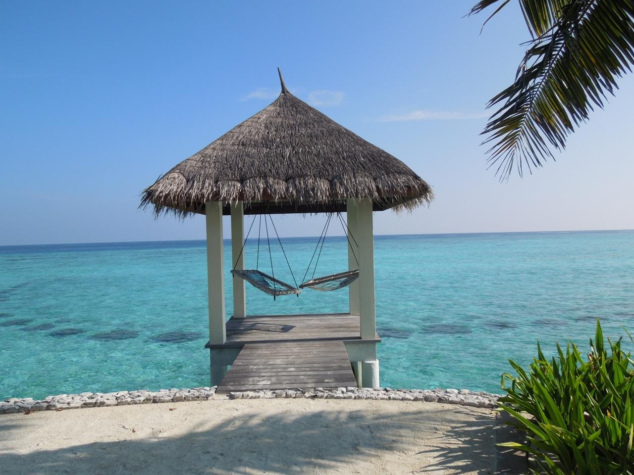新婚旅行は青い海に水上コテージ!と決めており、モルディブへ