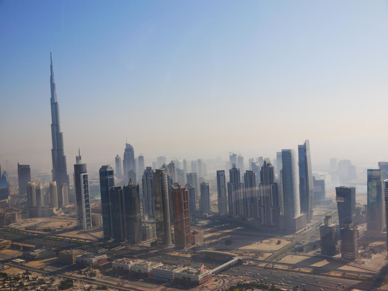 ドバイの高層ビル群は凄いけど、\u003cbr /\u003e遠くから見