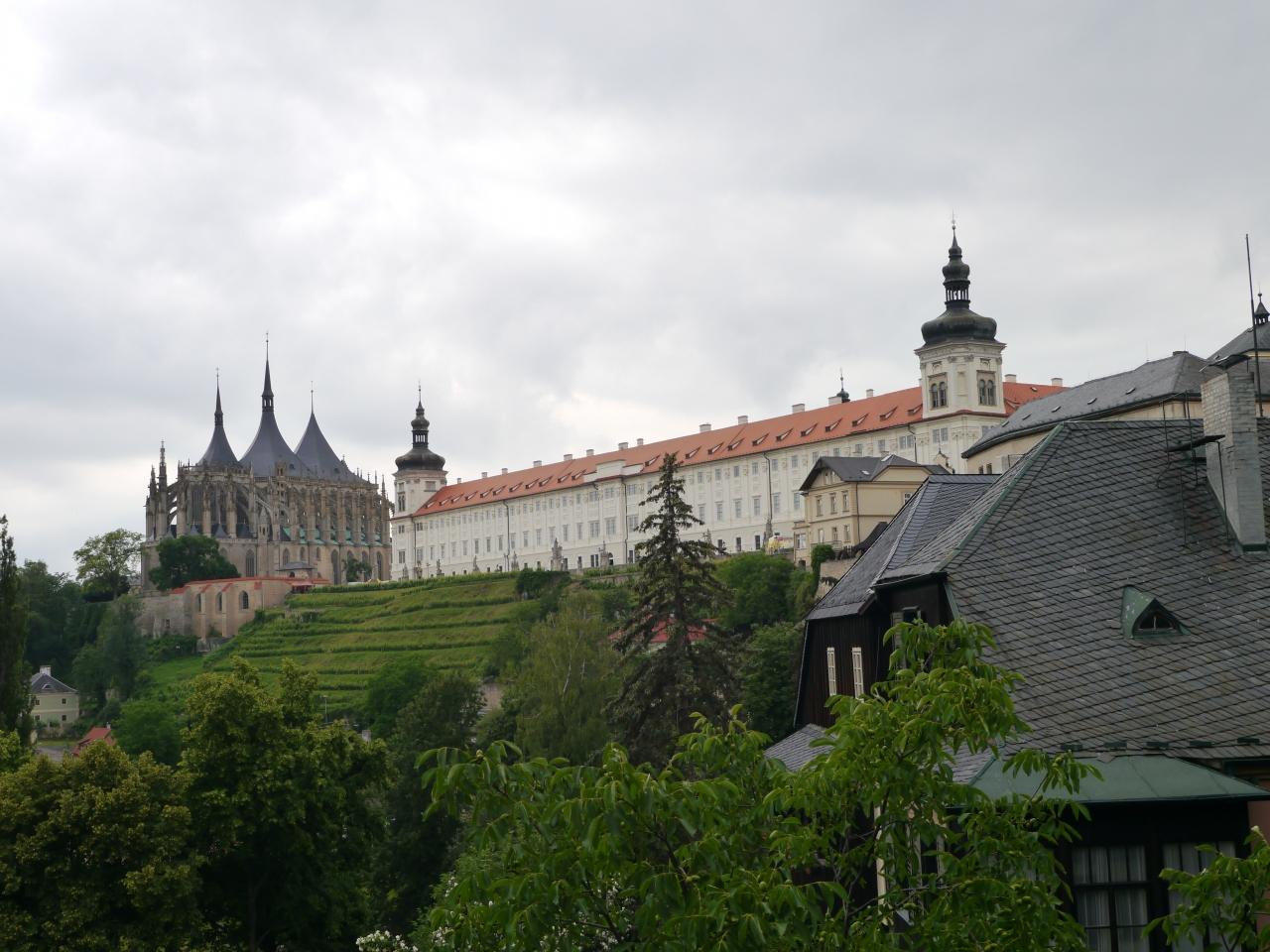 東ヨーロッパ、小さい街を行く-②...