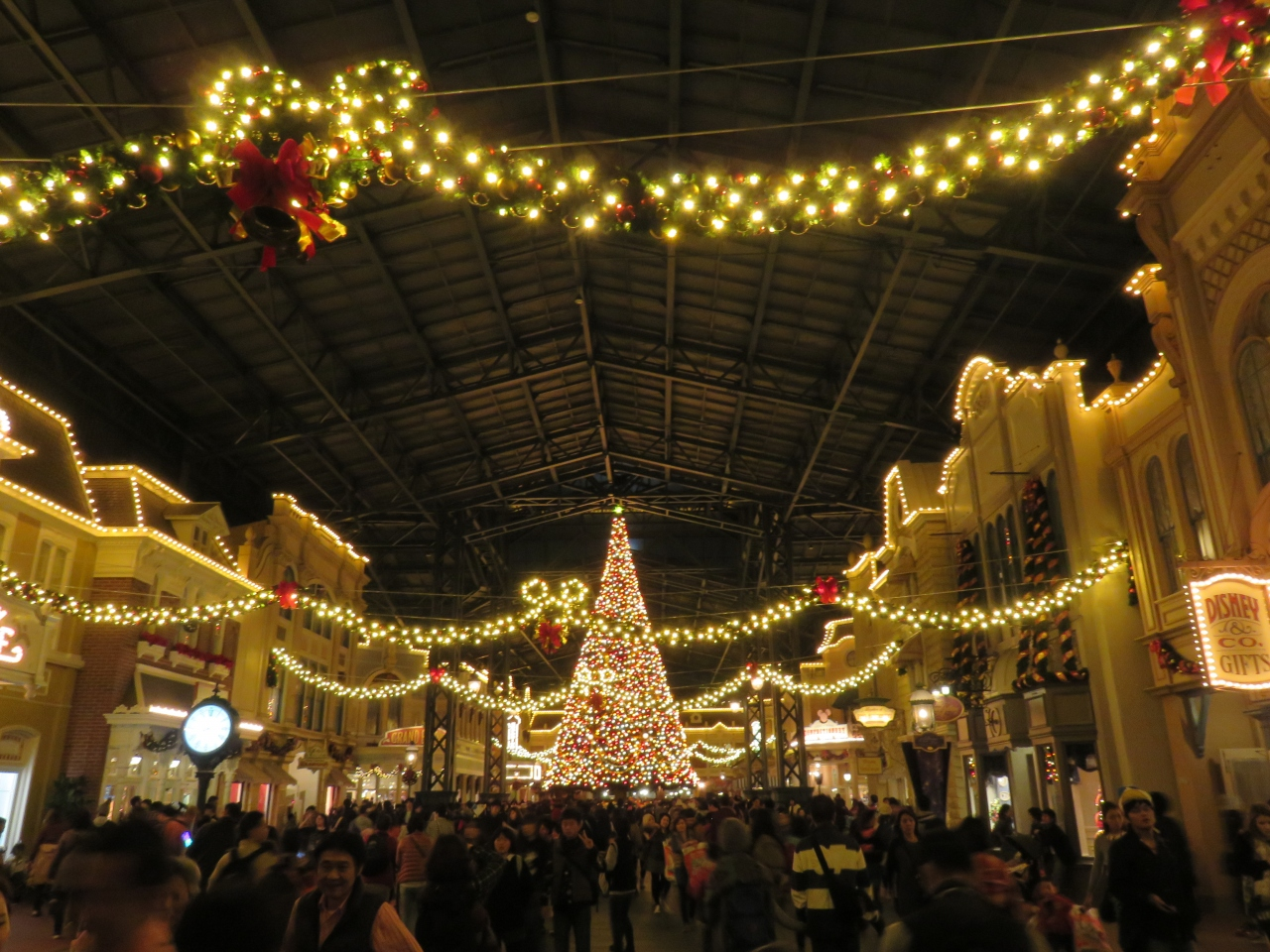 11月からクリスマス!ディズニーランドに・・・』東京ディズニー