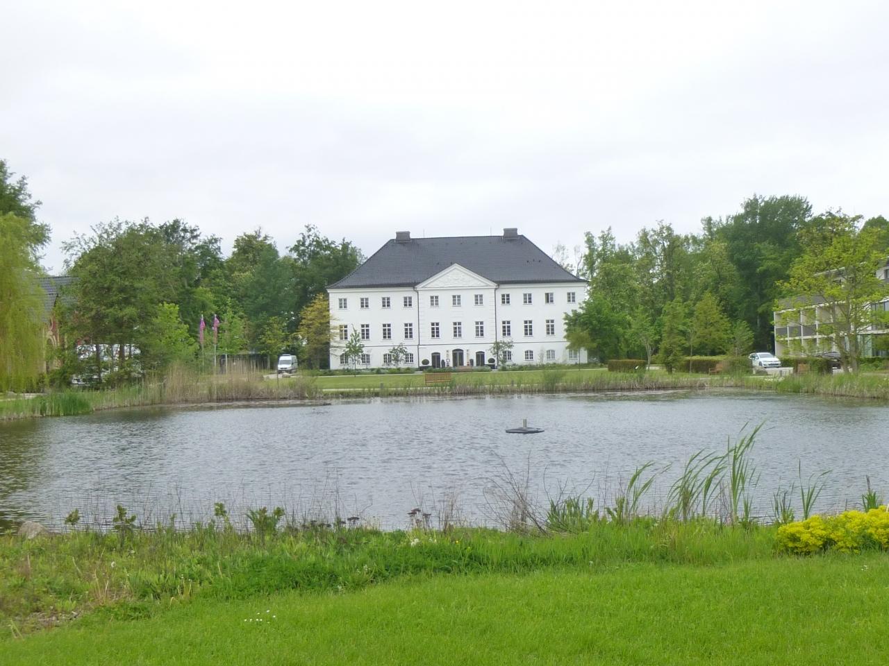 ドイツの春・北方二州を巡る:7こんな田舎に古城ホテル グロース・シュ ...