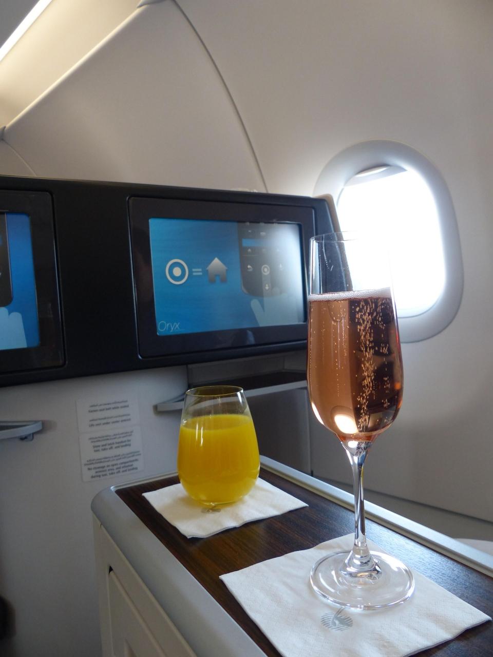 カタール航空ビジネスクラスで行く ケニア・タンザニアサファリの旅(往路フライト編)