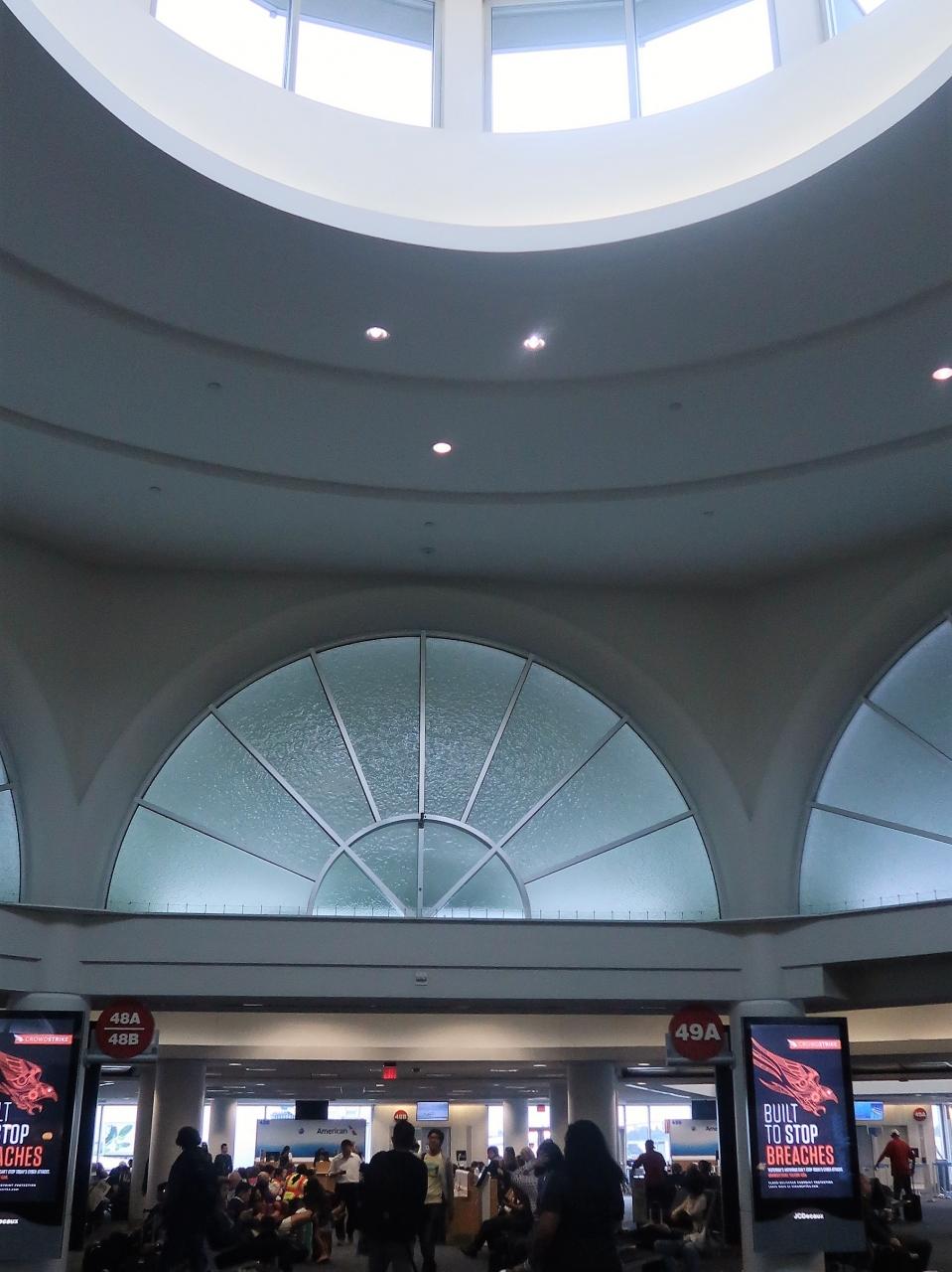 ロサンゼルス国際空港離陸 アメリカン航空AA169便 ☆山脈・西海岸が見える席で