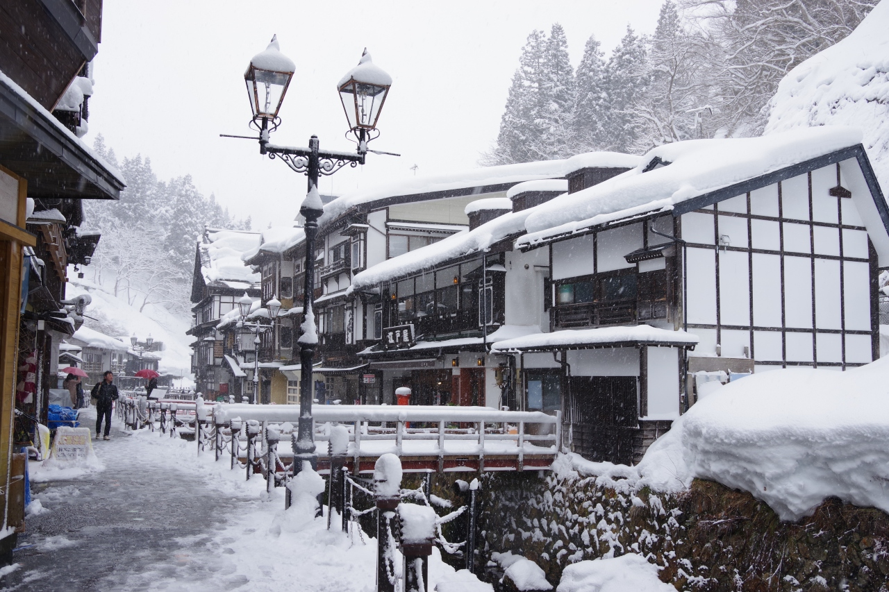 雪深い時期を狙って、山形県でも豪雪地帯の肘折温泉