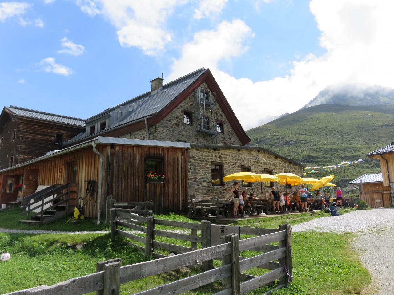 オーストリア チロル州 シュトゥ...