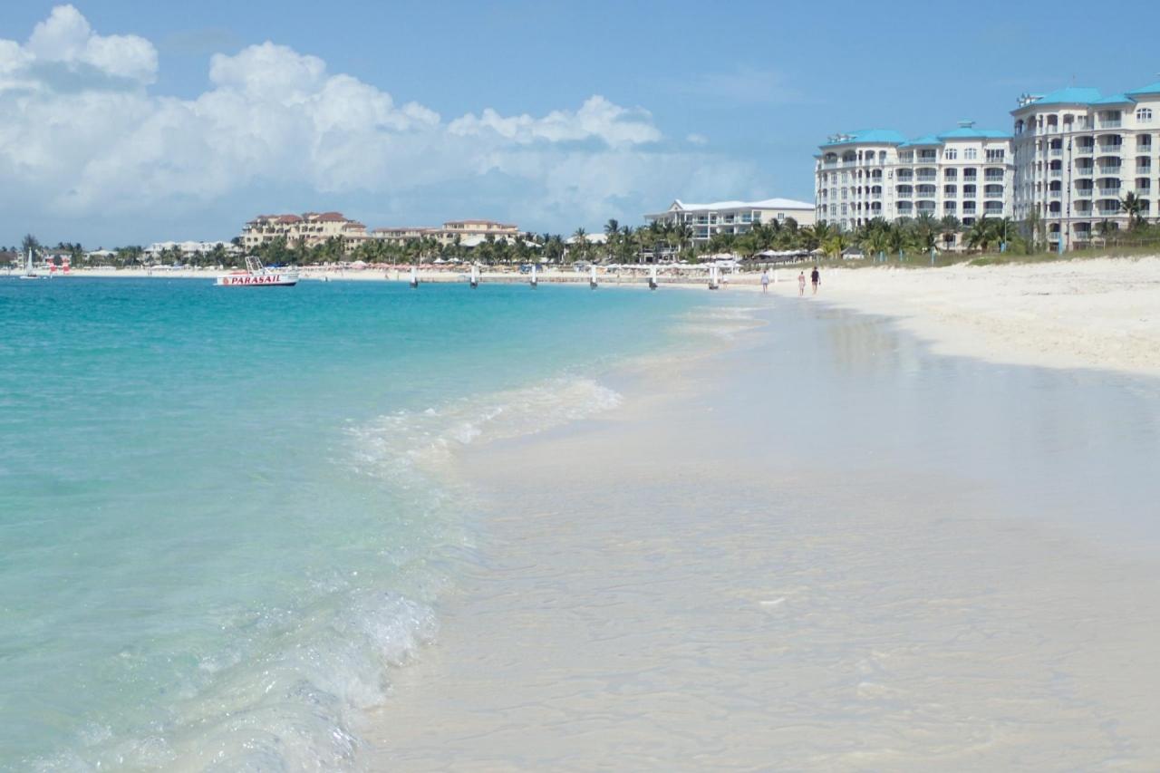 世界トップクラスの美しさを誇るビーチがあるイギリス海外領土の ...