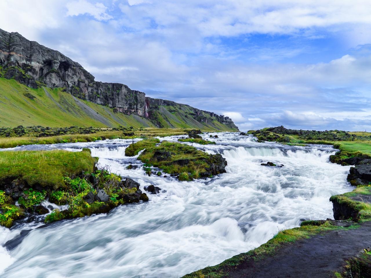 アイスランド、車で一周、12日間...