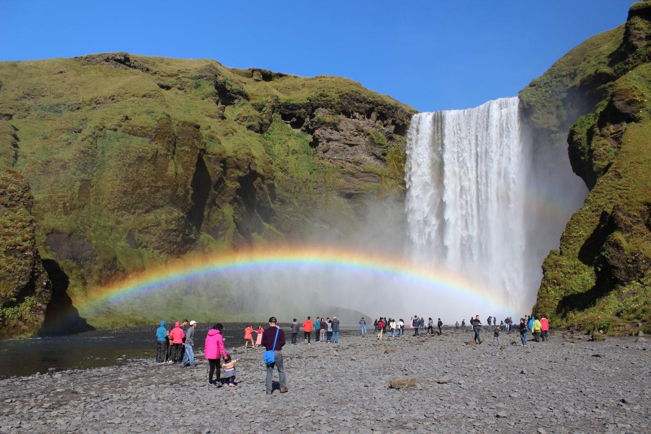 アイスランド大自然めぐり 5日目...