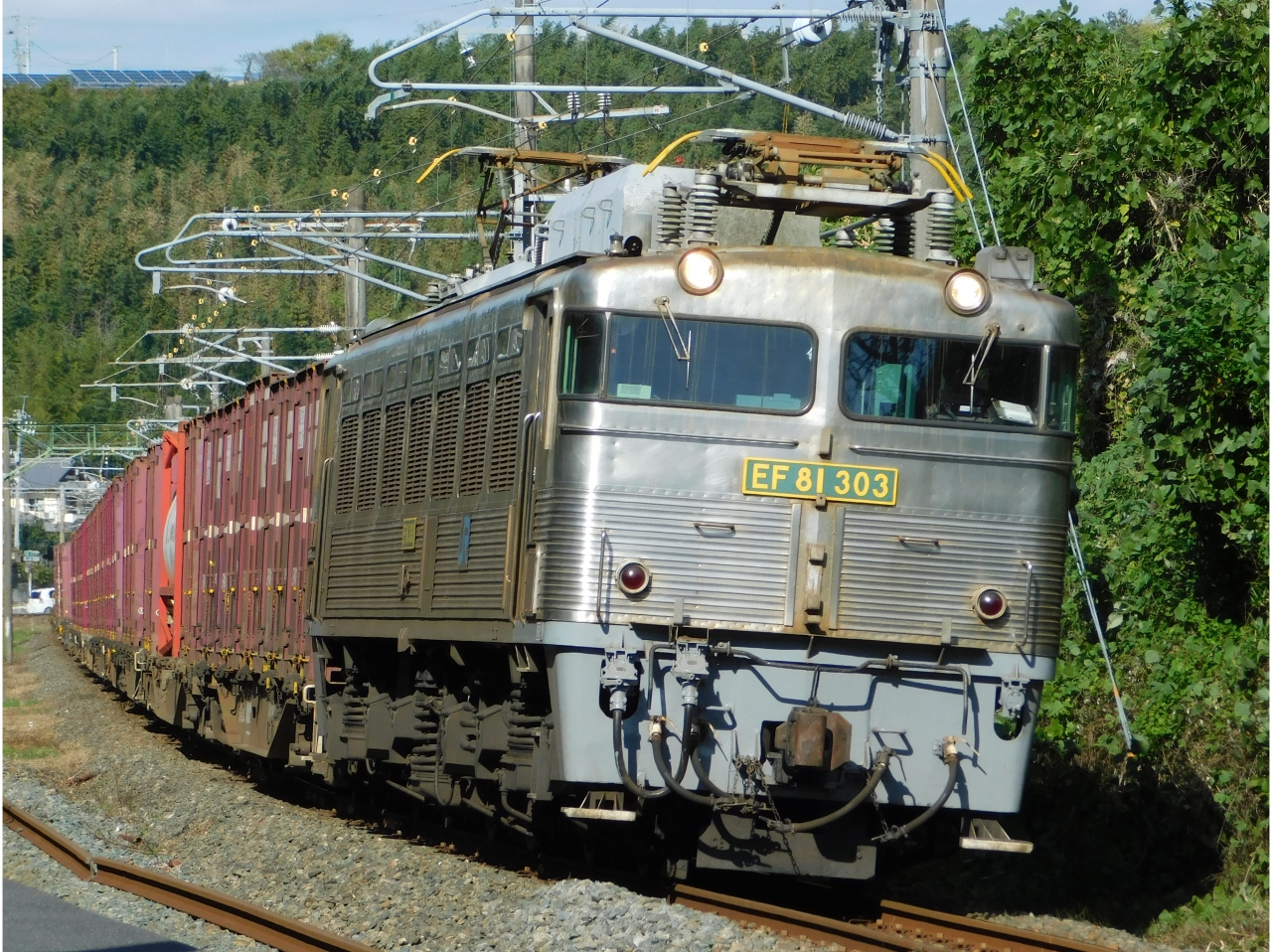 2017貨物列車撮影に向けてEF81-...