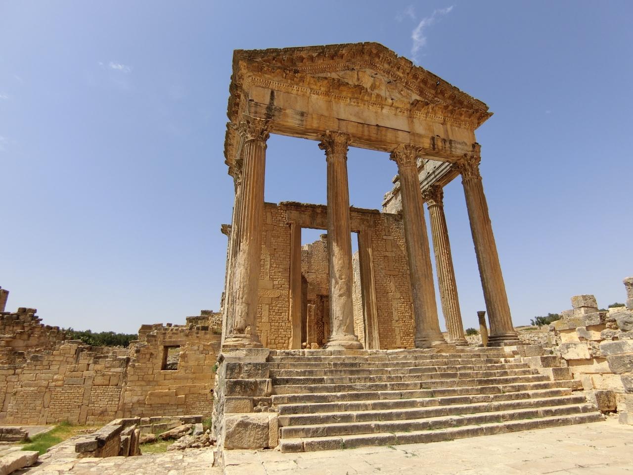 古代ローマの浪漫を丸ごと感じるDougga まさに鳥肌遺跡』ドゥッガ ...