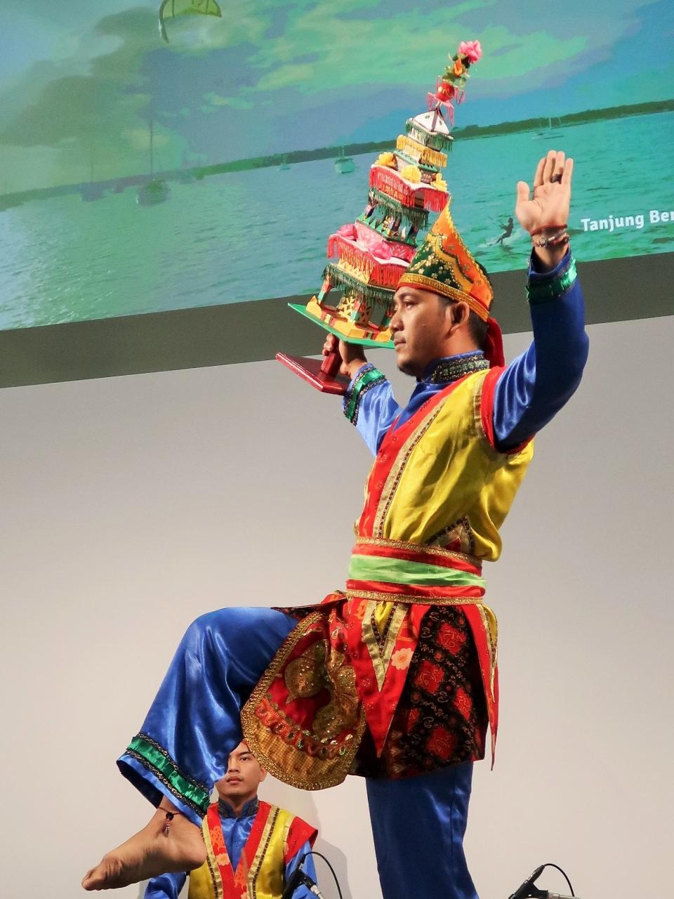 ツーリズムEXPO-9 インドネシアA ワンダフル パフォーマンス ☆伝統舞踊と太鼓の響き