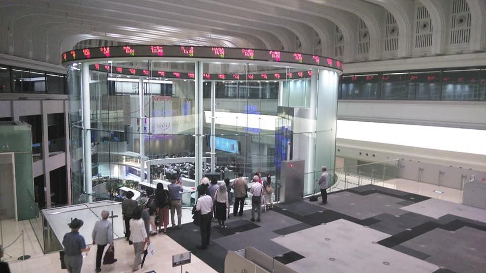 東京証券取引所見学に行ってきました。歴史と役割教えていただきました ...