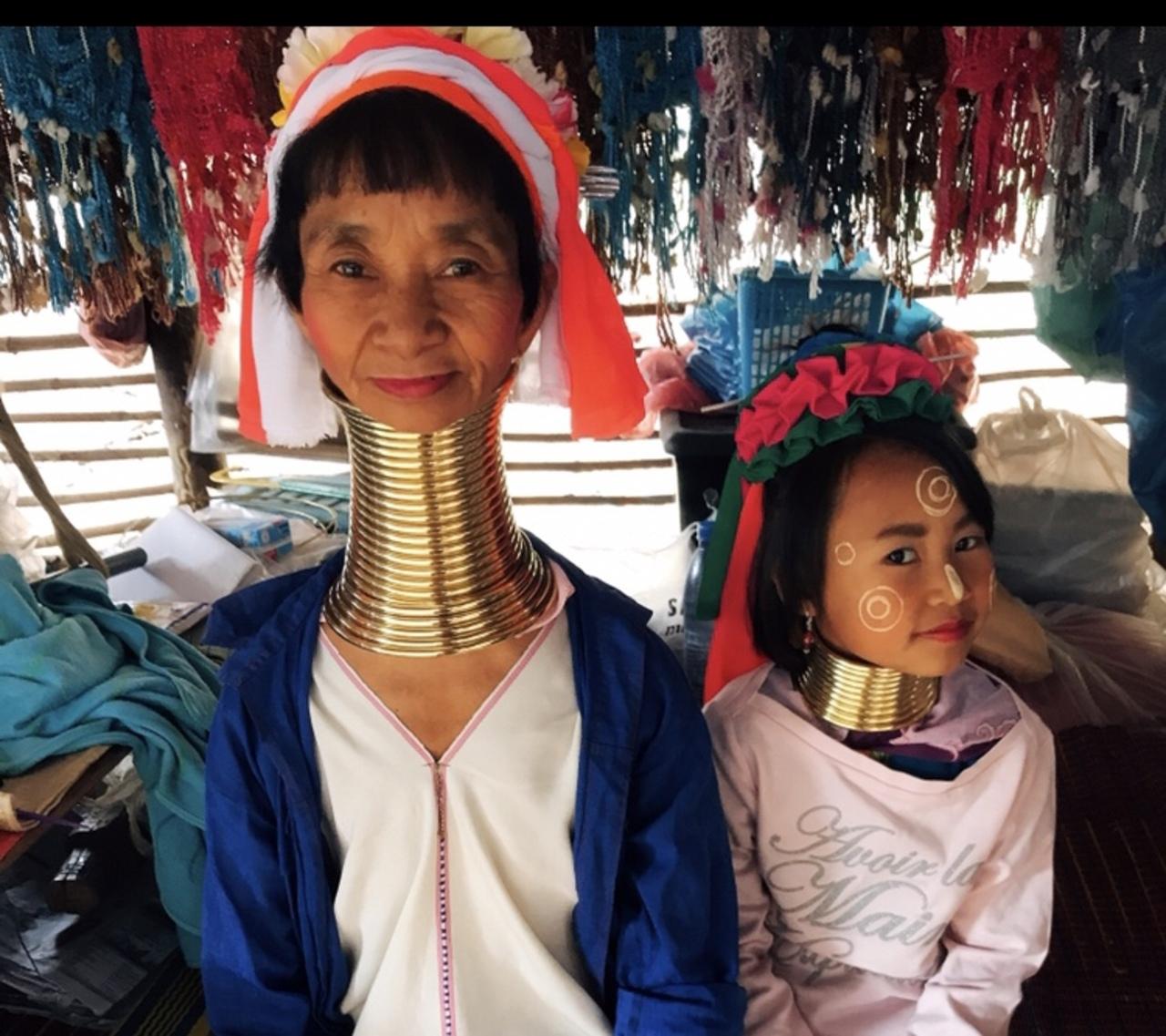 首長族の女性が美人・かわいい!怖い風習と衣食住・男性の画像もまとめ