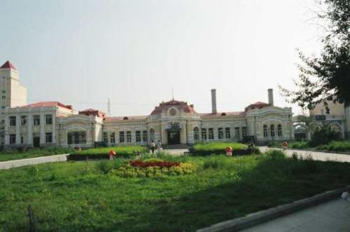 香坊駅 <br /> ロシアが開発の初期に造った駅。昔のままに保存されて美しい。 <br />