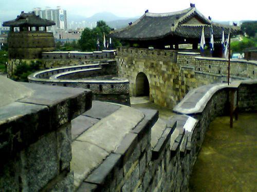 水原城<br />なかなかいいところです。<br />入場無料なのもいい!