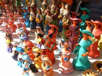 ドミニカ共和国のお土産としてよくみかける陶器のお人形