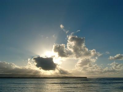 ビーチでぼっ〜と空の色が変わるのを眺めていました。