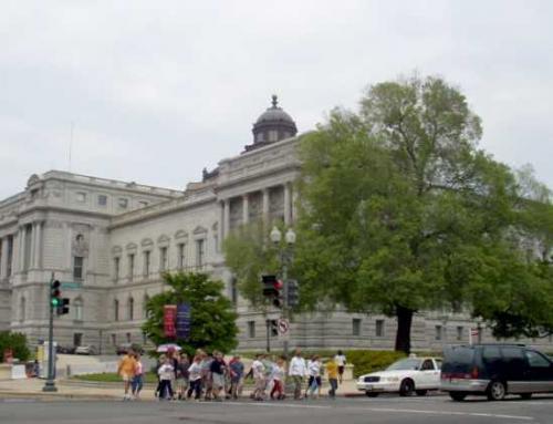 ジェファソン館 外観<br />議会図書館のほかの建物<br />(マジソン館・アダムス館)とは、<br />地下道でつながっています。