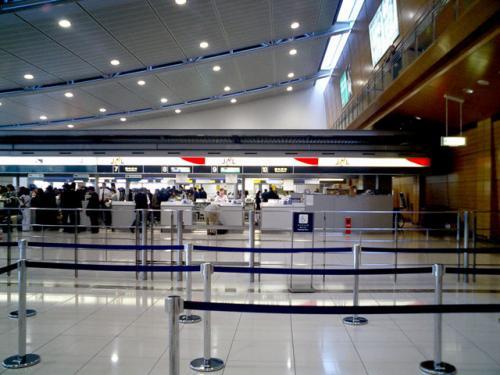 チェックインカウンター<br />三連休にかかわらず、人は思ったより少なかった。<br />新空港に備えているのだろうか....