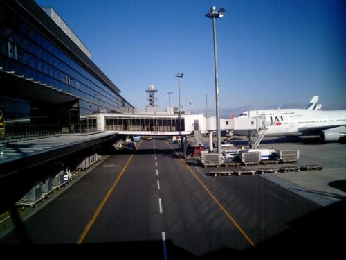 駐機場 その2<br />いよいよ、飛行機に乗り込むこととなる。<br />