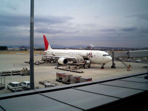 駐機場<br />すでに、空港の色々な機材は「中部」へ引っ越ししたそうである。<br />