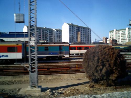 東大邱出発<br />ここから、旧線に入る。<br />秋田・山形新幹線みたいなものである。<br />コチラの方がいい感じで走行した。