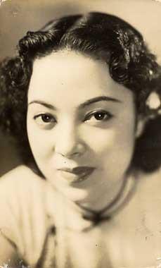日本と満州の親善のためとの美名に従い18歳で女優になった満映時代の李香蘭。