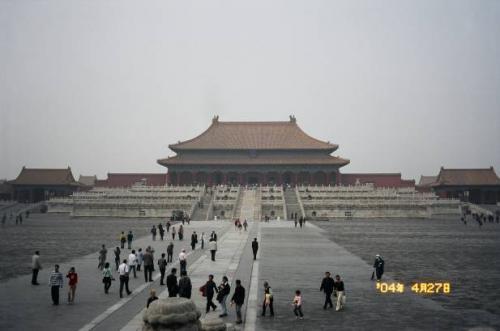 北京:紫禁城にて。2004.4.28撮影<br />
