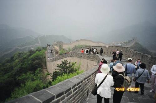 北京・八達嶺:世界遺産 万里の長城。 2004.4.28撮影
