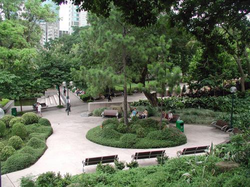 公園と言ってしまうには勿体ない感じの贅沢さ。<br />何処も彼処も緑だらけ。