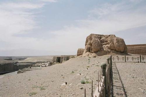 第一敦(とん)・明代の万里の長城の最西端。