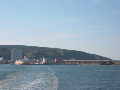 礼文島行きのフェリーがに向けて出港!稚内を後にします。<br />約2時間の船旅です。<br />(9/9)