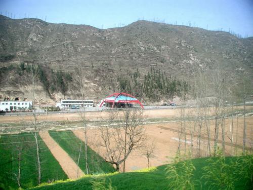 最近デザイン一新の中国ガソリンスタンド。