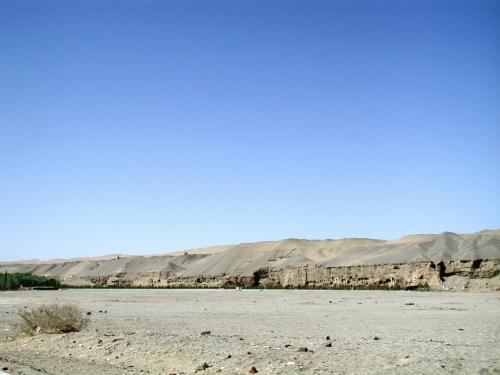 この辺りは、今年初めに公表された「敦煌再発現」と言う、新規追加234個の石窟が認定されたそう。<br />いつ頃の開放なのか興味有り。<br />
