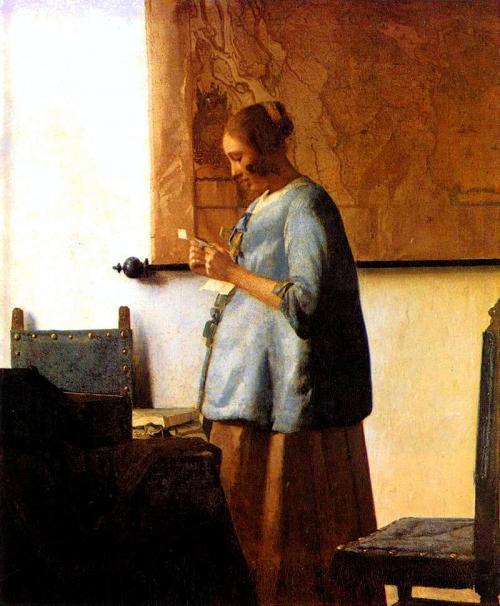 手紙を読む青衣を着た女 <br />1663年頃 46cm×39cm<br />(アムステルダム国立美術館/オランダ)<br />妊婦さんが故郷の母親からの手紙を見てるような雰囲気に思えますが、実際はどうなのでしょうか?