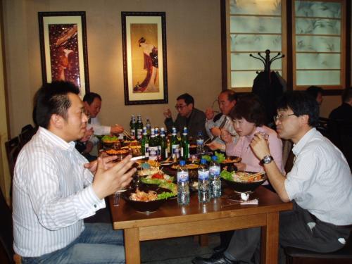 来賓、幹事の方のテーブル