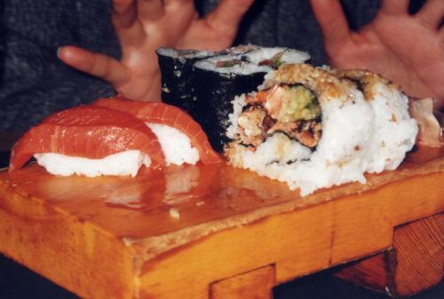 バンクーバーでの最初の夜は、バンクーバー名物のお寿司を食べました。「むさし」というお店。カナダならではのBCロールは旨い!!!