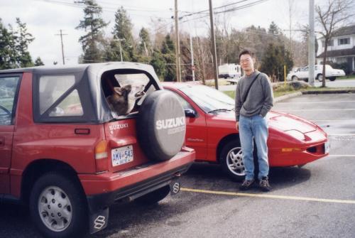 翌日はレンタカーを借りてドライブ。真っ赤なスポーツタイプの車でレッツゴー! 車名はその名もサン・ファイアー(Sun Fire)です。