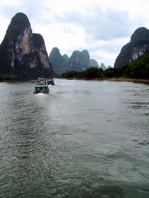 川幅が広めになってきました。<br />その分、水の揺らぎ感がおおらかに。