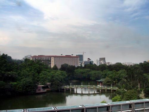 あ、中国大酒店が見えています。<br />今、この位置関係が良く判った気がします。(^^;