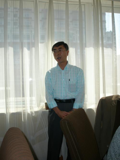 続いて当日から参加の新会員の紹介<br /><br />N総経理<br />http://4travel.jp/traveler/enyasu/album/10088195/<br />※旅行記後半、経済開発区内にある日系企業
