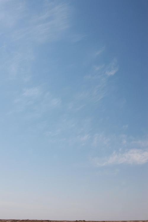 敦煌の空。<br /><br />こまが一番好きな天然藝術だ。