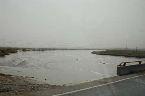 町の直ぐ郊外には川もあった。<br />喀什が人で溢れている理由は、やはり、昔からあるこの川の水のおかげだ。