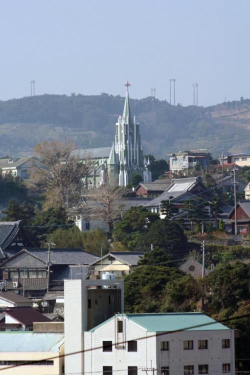 平戸の街を見下ろす丘の上に平戸カトりック教会が建っています。