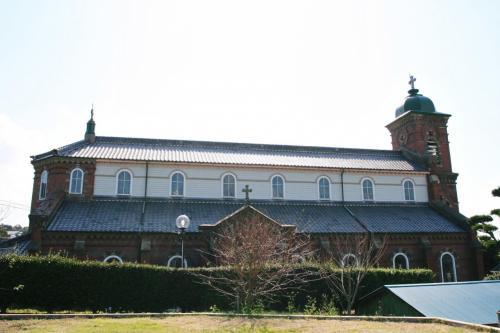 田平教会を横から見てみました。ずいぶん大きいですね。